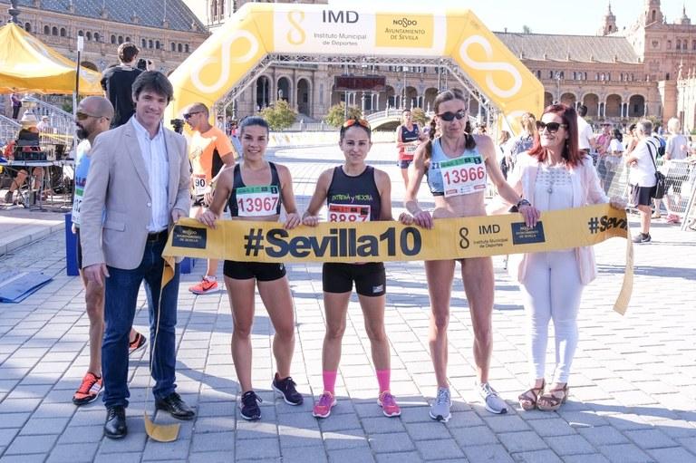 Podium femenino de la Carrera Parque de María Luisa 2019.