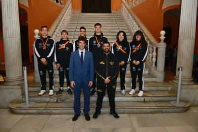 El Ayuntamiento recibe a los integrantes del Kaká Boxing Club tras proclamarse subcampeón de España de Boxeo