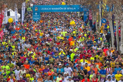 El Sevilla FC y el Real Betis Balompié se suman al Zurich Maratón de Sevilla para celebrar su 35 aniversario y animar a todos los corredores en dos puntos clave del recorrido