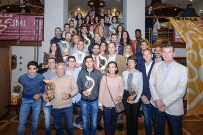 Foto de familia de todos los premiados en el Circuito 2017 #Sevilla10