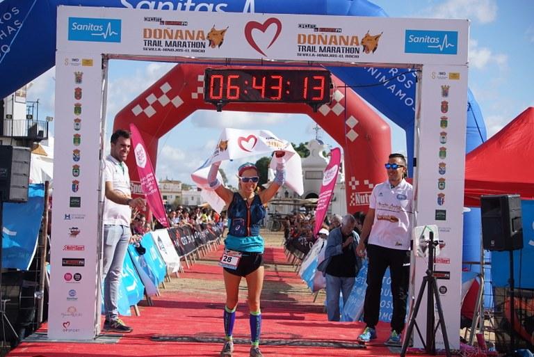 Victoria de Begoña Navas en el Doñana Trail Marathon